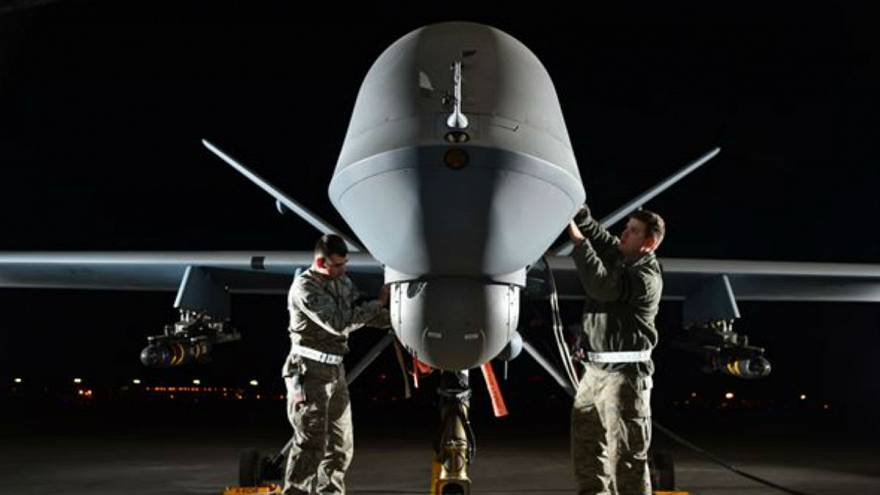 بالفيديو: طائرة دون طيار تمنع عملية إعدام لداعش في سوريا