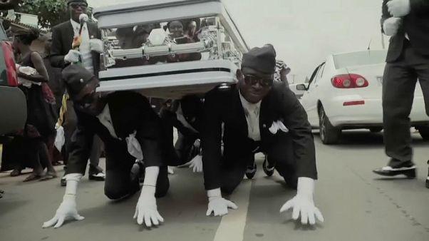 Los muertos bailan en Ghana