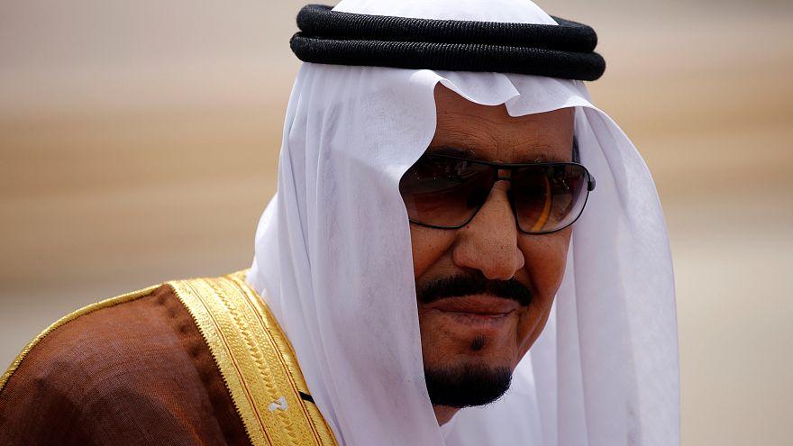 """بالفيديو: العاهل السعودي للاعبي """"الأخضر"""": انا بلعب معكم بعدين"""