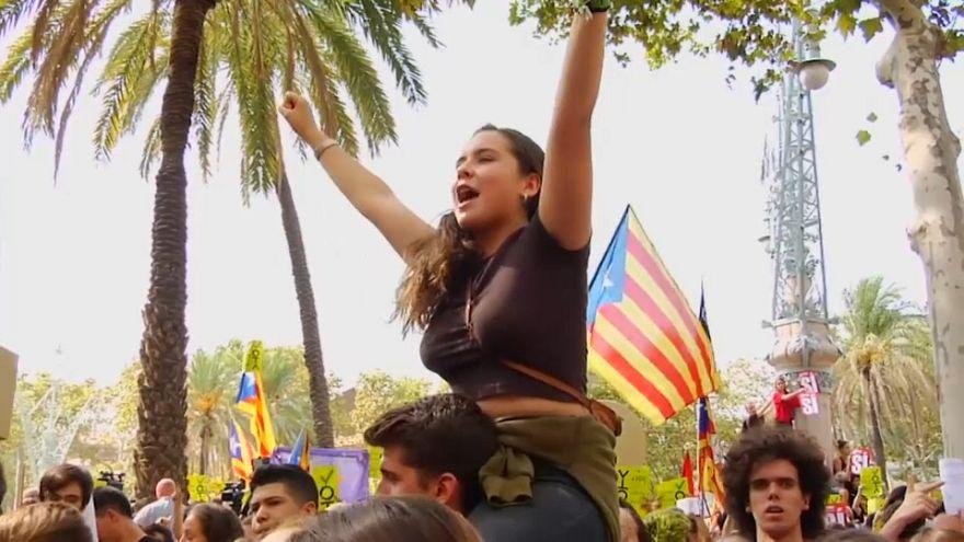 A népszavazásért tüntettek Barcelonában
