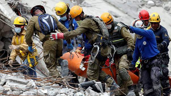 Mexico earthquake: Rescue efforts continue as death toll rises