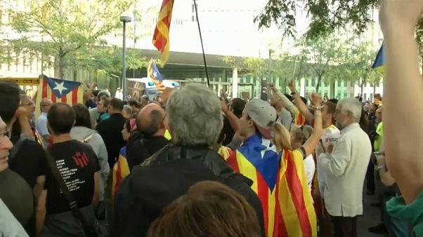 Mehr Polizei nach Katalonien verlegt