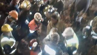 Duas mulheres resgatadas depois do tremor de terra