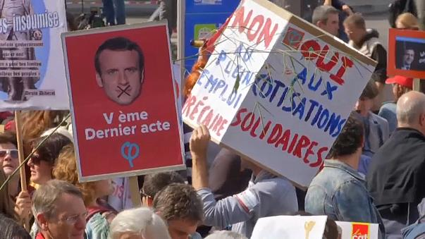 France: thousands rally against labour reforms