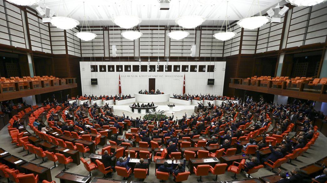 Irak-Suriye tezkeresi meclisten geçti