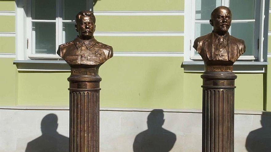 Αντιδράσεις για τις προτομές σοβιετικών ηγετών στη Μόσχα