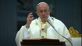 Papa Francesco sotto attacco