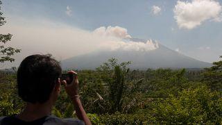 مخاوف من ثوران بركان بجزيرة بالي الاندونيسية