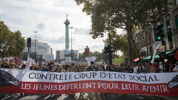 فرانسه: راهپیمایی علیه «کودتای اجتماعی»