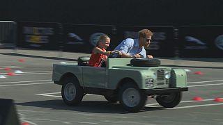 Príncipe Harry regressa à infância