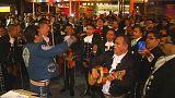 Mariachi singen für Erdbebenopfer