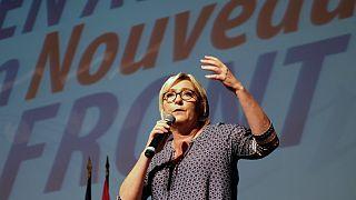Le Pen, Almanya'da meclise giren ırkçı partiyi kutladı