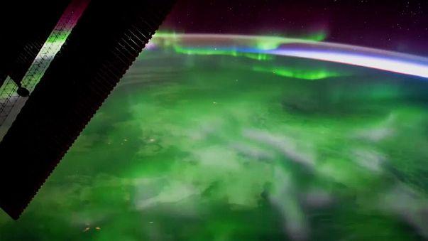 Uzay istasyonunda ışık şöleni