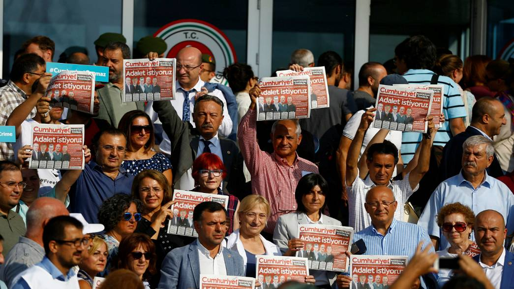 Trial of Cumhuriyet staff resumes in Turkey