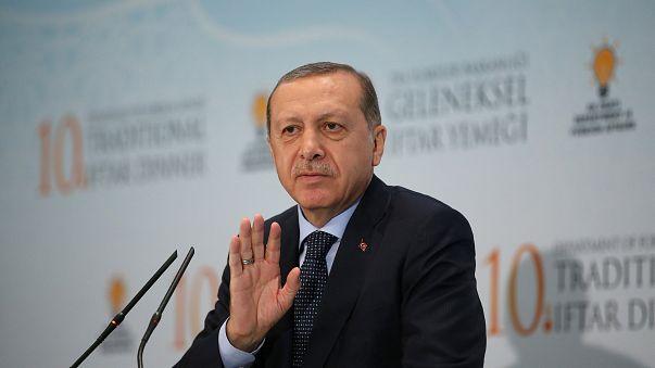 اروغان يلوح بعقوبات اقتصادية وتجارية بحق كردستان العراق