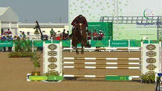 5. Asya Salon ve Dövüş Sanatı Oyunları'nda engel atlama at yarışlarında madalyalar sahiplerini buldu