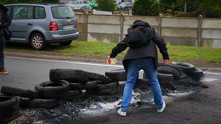 Γαλλία: Μπλόκα και διαμαρτυρίες οδηγών φορτηγών