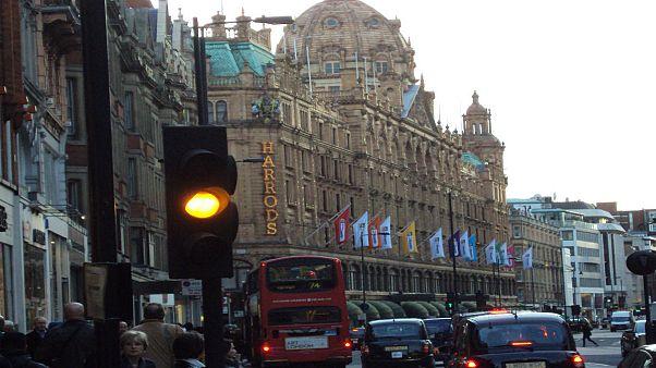 شيخ عماني يدفع 34 مليون دولار لشراء شقتين بجوار متجر هارودز في لندن