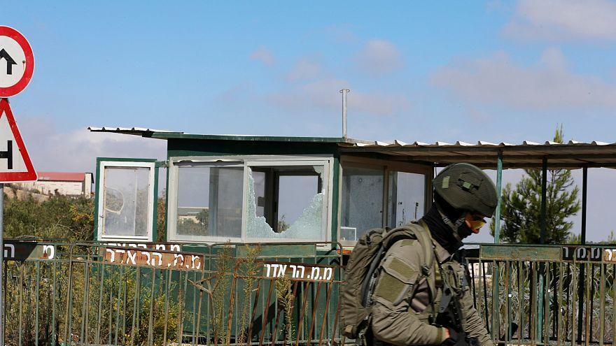 Megölt három izraelit egy palesztin fegyveres Ciszjordániában, egy zsidó telep bejáratánál