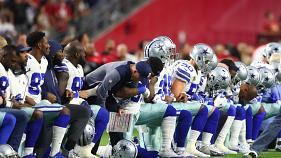Gli sportivi contro Trump dopo gli insulti ai giocatori di football