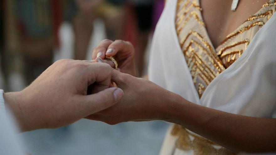 İsrail'de hahamların listesinde bulunan binlerce kişi evlenemiyor