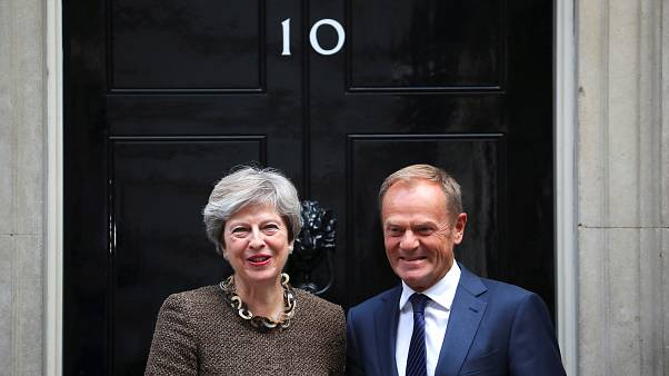 Theresa May reúne com Donald Tusk
