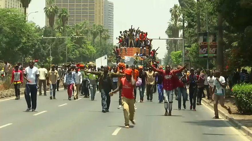 Polícia queniana usa gás lacrimogénio contra manifestantes