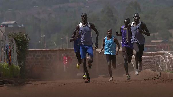 AIMAG: Langstreckenläuferin Tegla Loroupe betreut Flüchtlingsteam