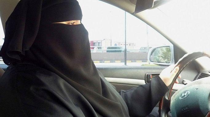 Suudi Arabistan'da kadınlar artık direksiyon başına geçebilecek