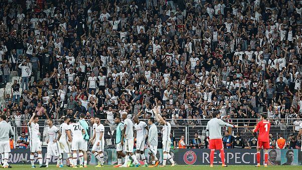 Beşiktaş taraftarı Leipzig forvetini sağır etti