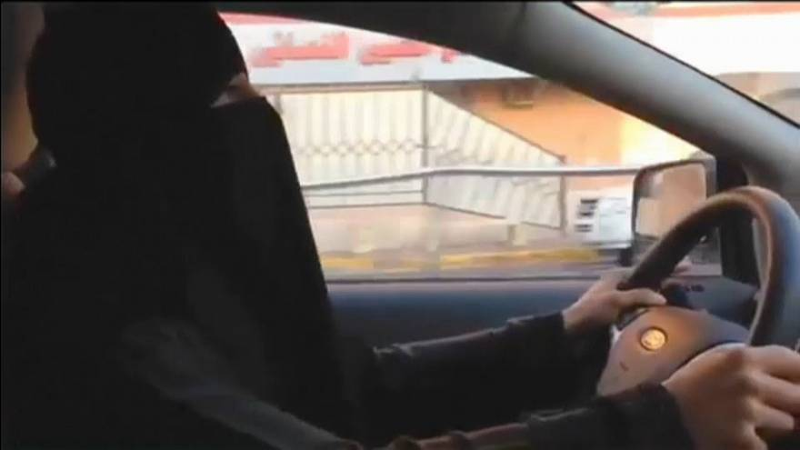 Rights groups welcome Saudi decree ending driving ban on women