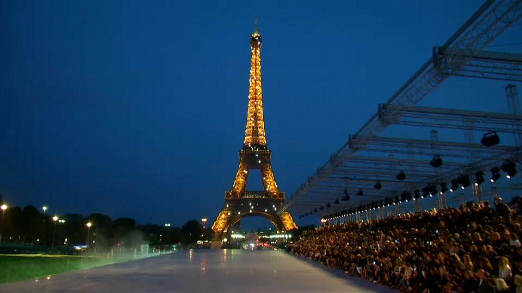 Dior et Saint Laurent défilent à Paris