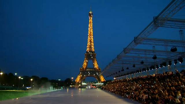 Dior e Saint laurent abrem a semana da moda à francesa