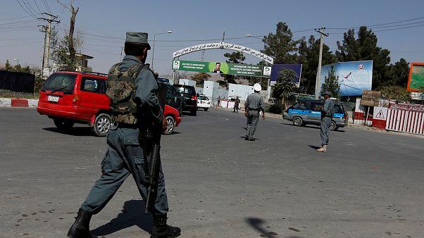 """تنظيم """"داعش"""" يتبنى عملية إطلاق صواريخ على مطار كابول بعد وصول وزير الدفاع الأمريكي"""