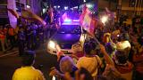 """Espagne : quand des """"vivas"""" saluent le départ des renforts de police vers la Catalogne"""