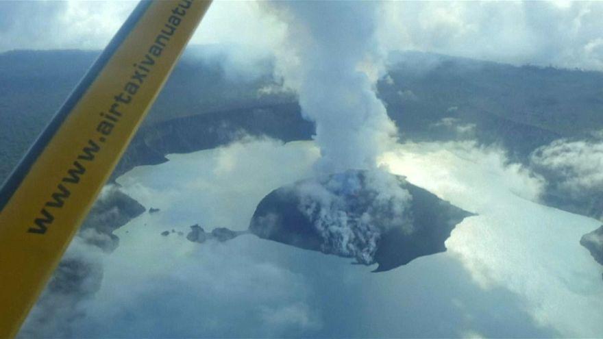 Evacuation d'une île au Vanuatu