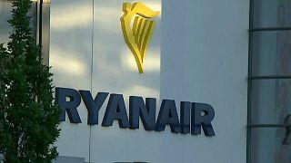 Ryanair, nuovi guai: cancella altri  voli. E si ritira dalla gara per Alitalia
