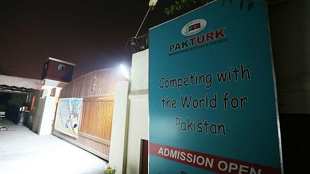 İnsan Hakları Komisyonu: Pakistan'da Türk aile silahlı kişilerce kaçırıldı