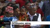 """Menina de 3 anos é nova """"deusa viva"""" no Nepal"""