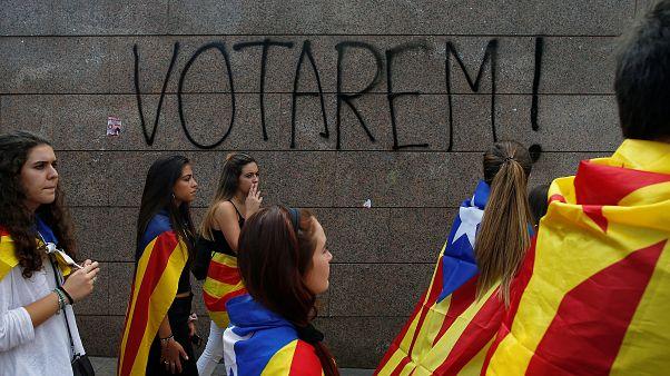 Barselona'daki üniversite öğrencileri referandum yanlısı gösterilerini sürdürdü
