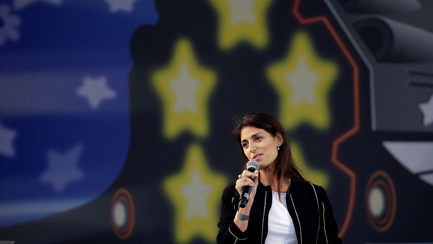 Roma: cade l'accusa di abuso d'ufficio contro Virginia Raggi