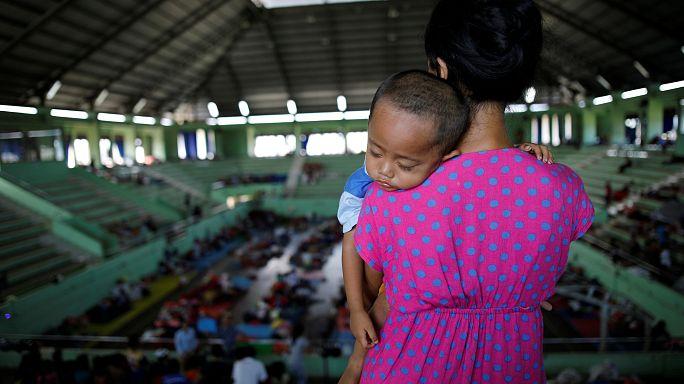 إخلاء أكثر من 135 ألف شخص في إندونيسيا خوفا من ثوران بركان جبل أجونج