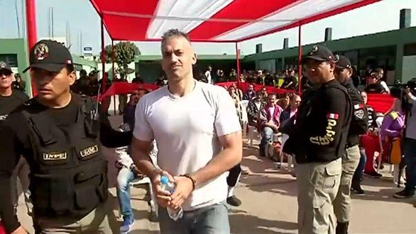España repatría decenas de presos desde Perú