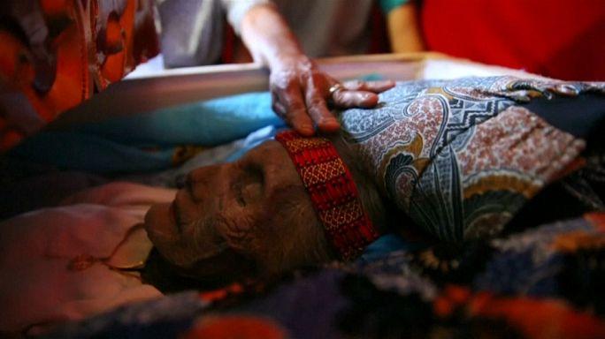 Indonesia, dove i morti vengono a casa