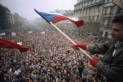 Protesters gather in Wenceslas Square in Prague during the 1989 Velvet Revolution. Czechoslovakia later peacefully split into the Czech Republic and Slovakia.