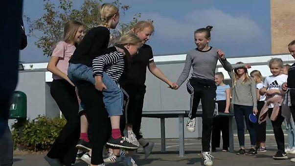 Danemark : interdiction totale des portables à l'école