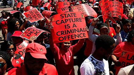Thousands of South Africans march against corruption under Zuma [no comment]