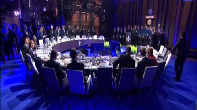 Макрон и Меркель захватили цифровой саммит ЕС
