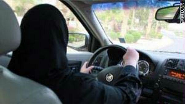 القبض على سعودي هدد بحرق سيارات النساء