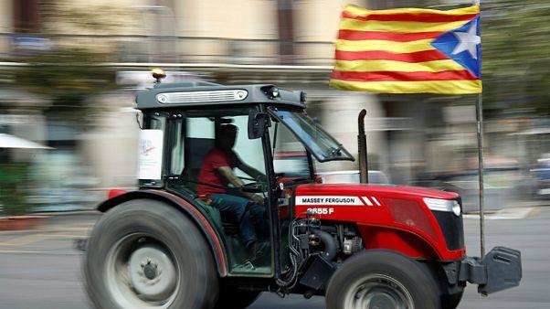 همهپرسی استقلال کاتالونیا؛ تراکتورها به خیابان آمدند